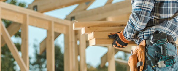 un charpentier compétent